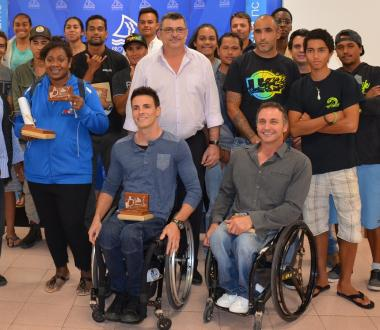 Les athlètes invités, aux côtés du président du gouvernement, Philippe Germain et du 3e vice-président de la province Sud, Dominique Molé.